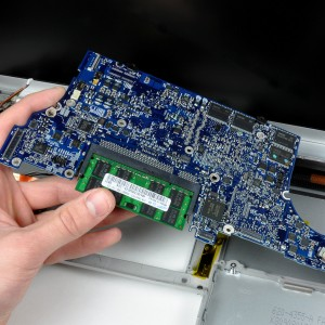 MacBook Pro 15 Core 2 Duo Models A1226 And A1260